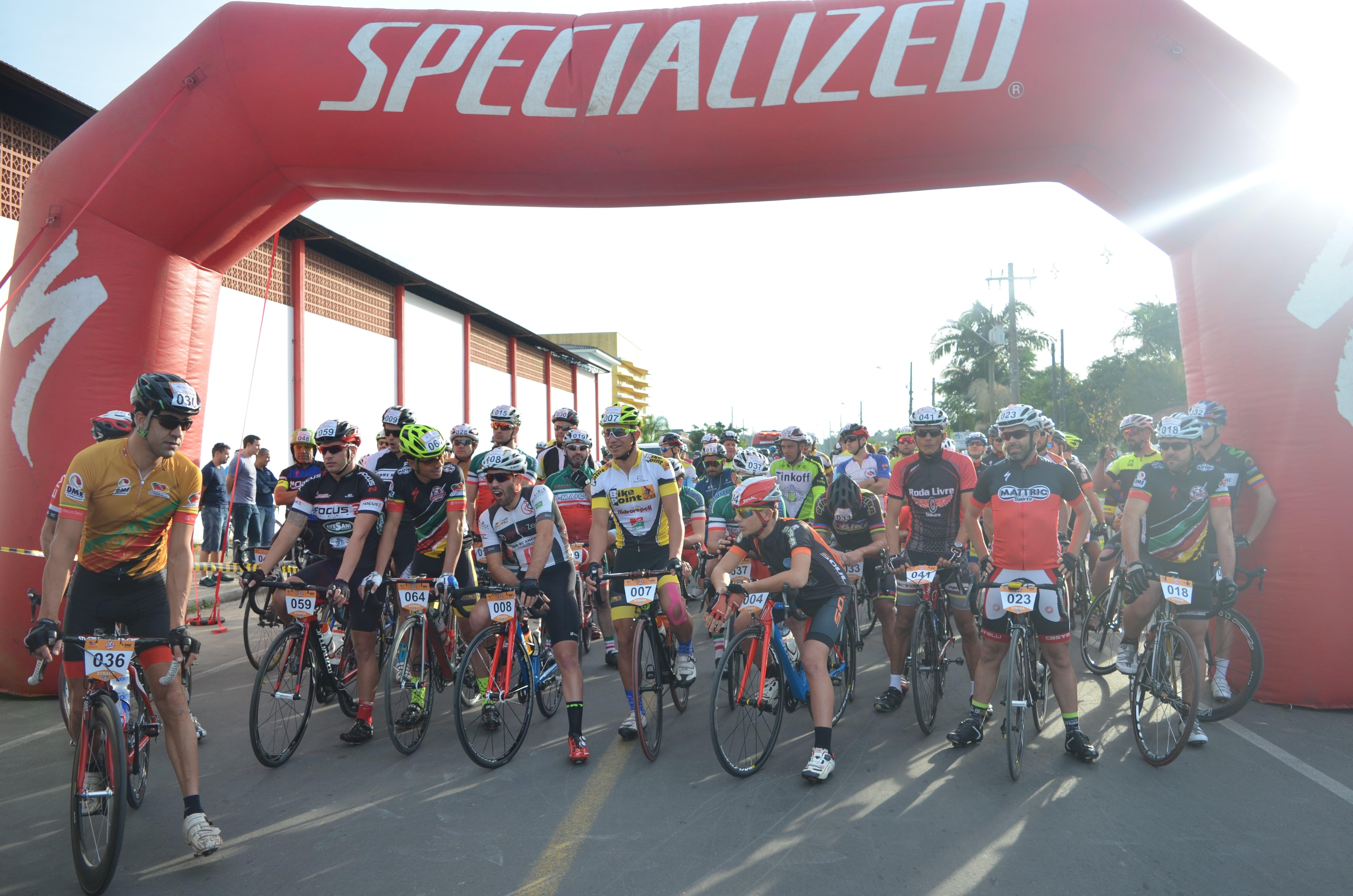 4dea16249c6 Sombrio dá mais um show de Ciclismo no Sul do Estado - DN Sul ...