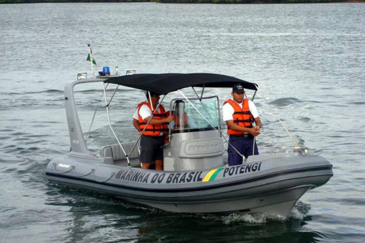 Barco com 7 tripulantes desaparece no litoral do Rio Grande do Sul