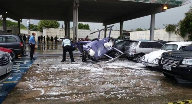 Helicóptero que estava a serviço da RedeTV! cai na sede da emissora