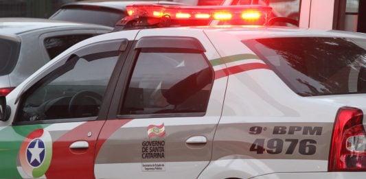[Orleans: Motociclista é preso ao conduzir sem habilitação]