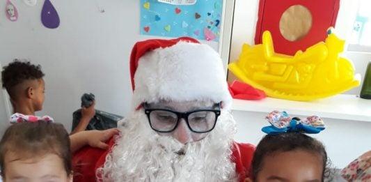 [Criciúma: crianças dos CEIs da Afasc recebem presentes de Natal]